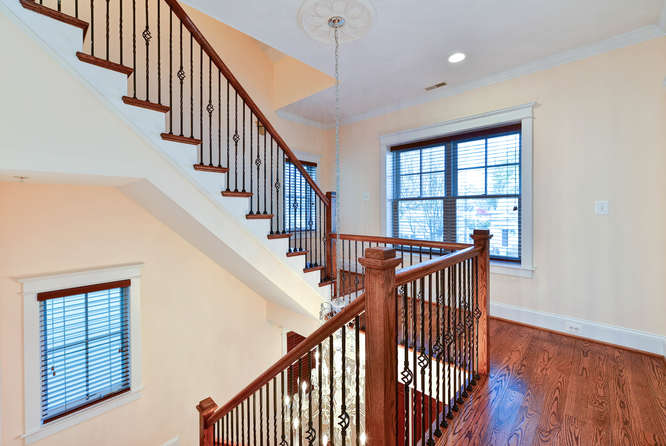 4516-chestnut-st-bethesda-md-stairs